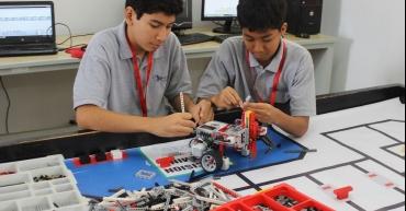 Escolares Peruanos en mundial de robótica en Tailandia